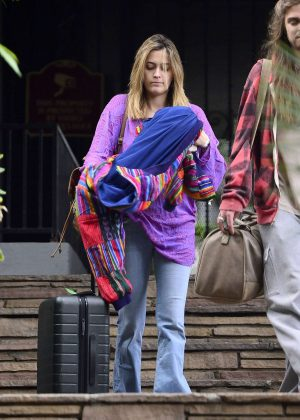 Paris Jackson - Arrives at airport in Los Angeles