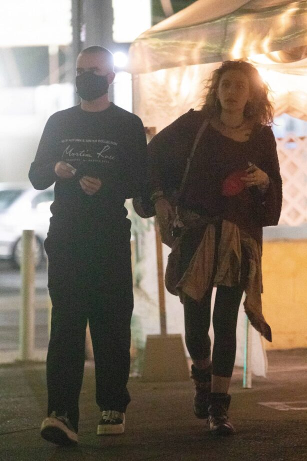 Paris Jackson - On a date with a mystery man