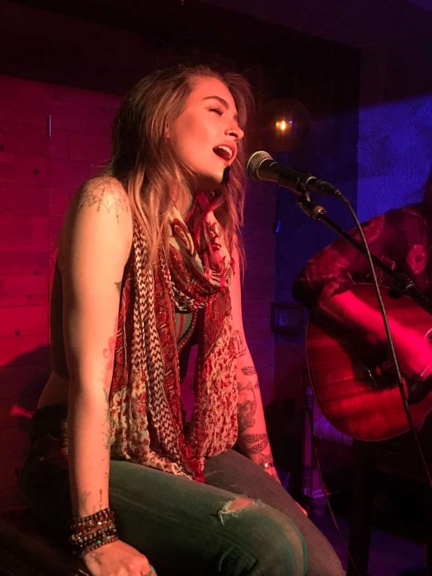 Paris Jackson - Perform at Good times at Daveys Wayne's bar in Hollywood