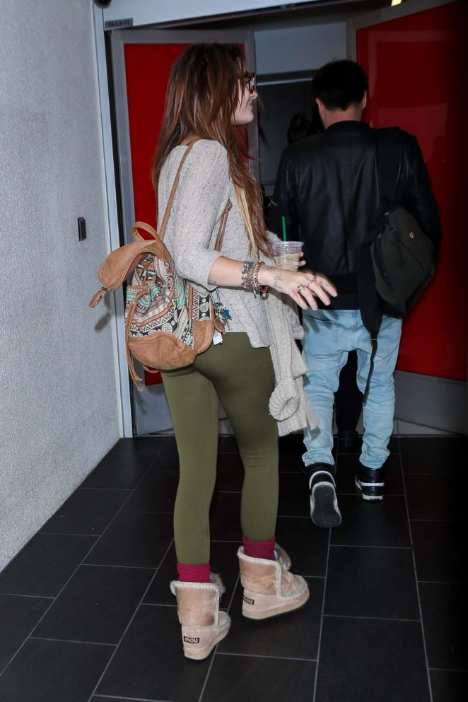 Paris Jackson - Seen at LAX Airport in Los Angeles