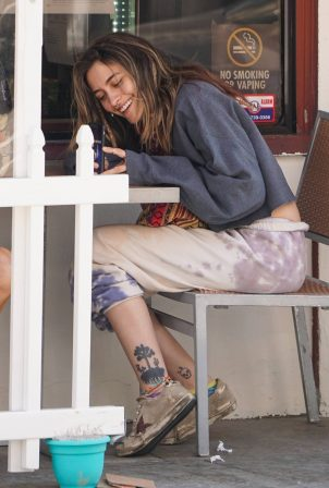 Paris Jackson - spotted having breakfast in Beverly Hills