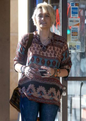 Paris Jackson - Visits a tattoo shop in Los Angeles