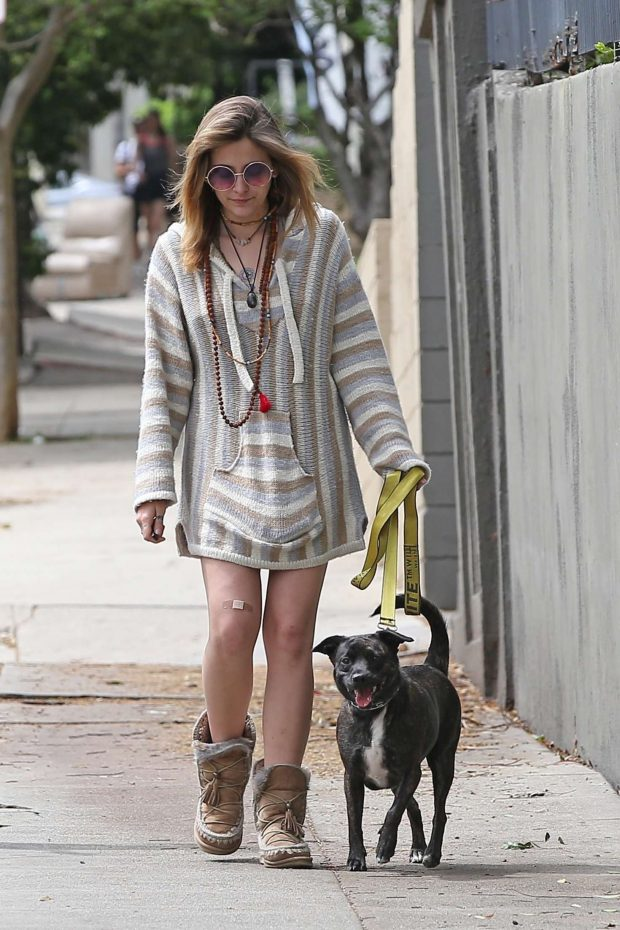 Paris Jackson - Walking her dog in Los Angeles