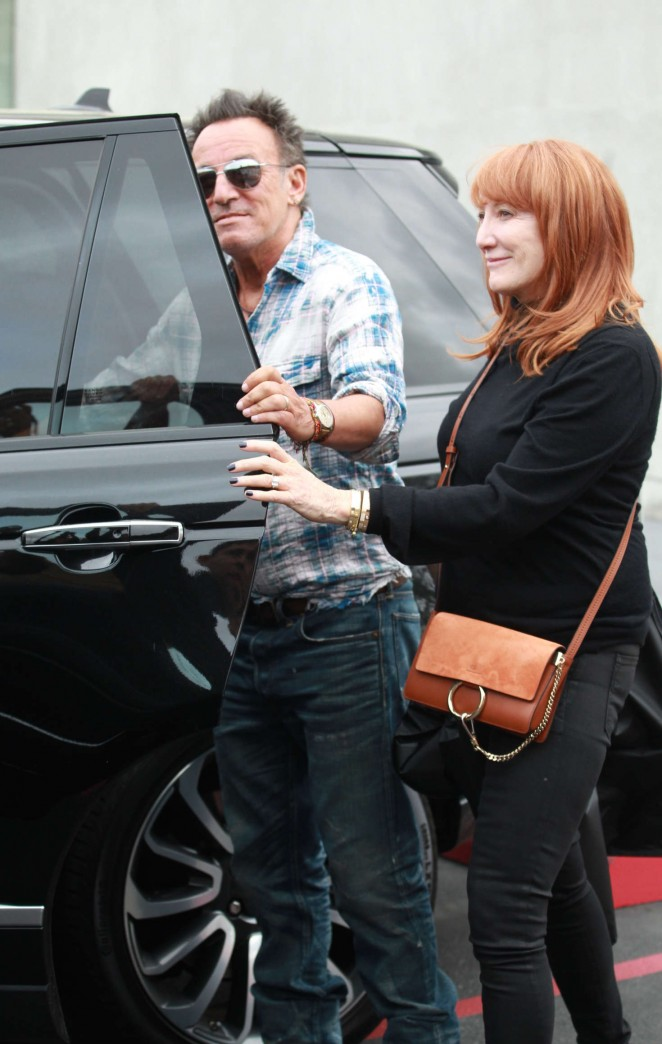 Patti Scialfa With Bruce Springsteen Shopping In Beverly Hills 07 Gotceleb