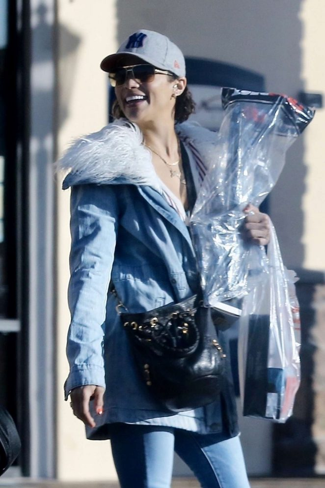 Paula Patton at a Guitar Center in Augora Hills