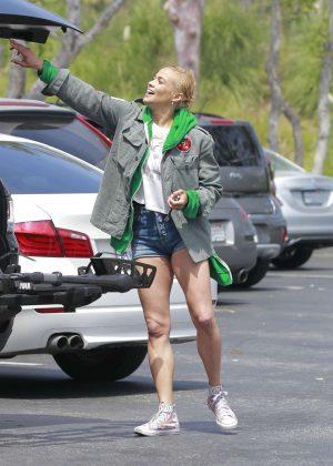 Paula Patton in Denim Shorts - Shopping in Malibu