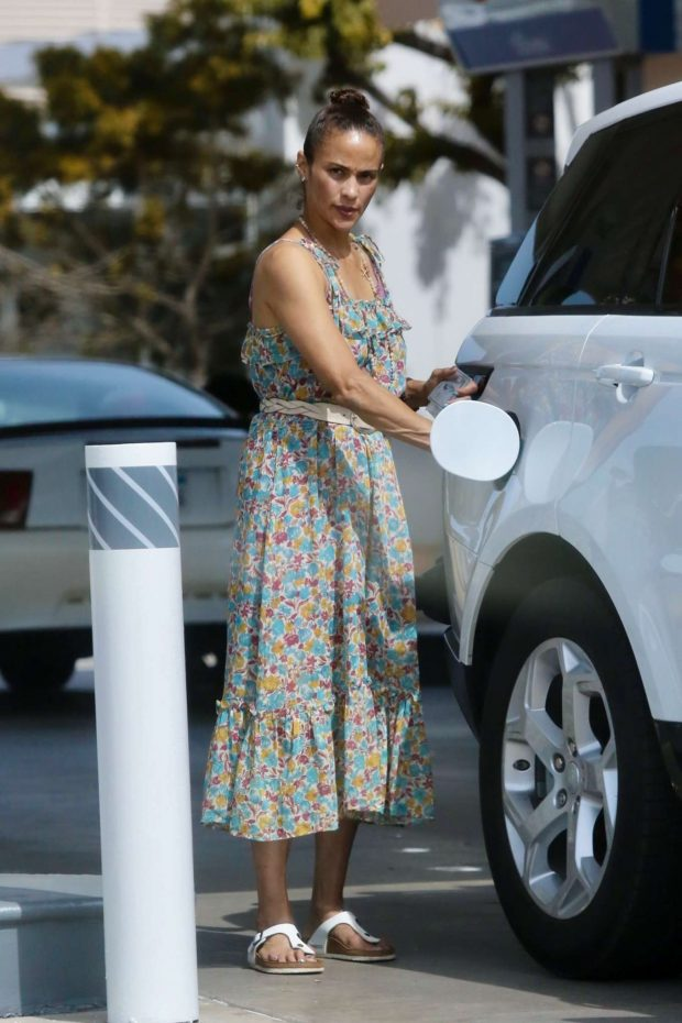 Paula Patton in Floral Summer Dress-01