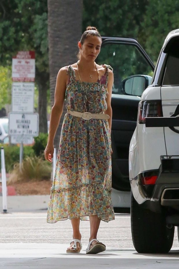 Paula Patton in Floral Summer Dress-02