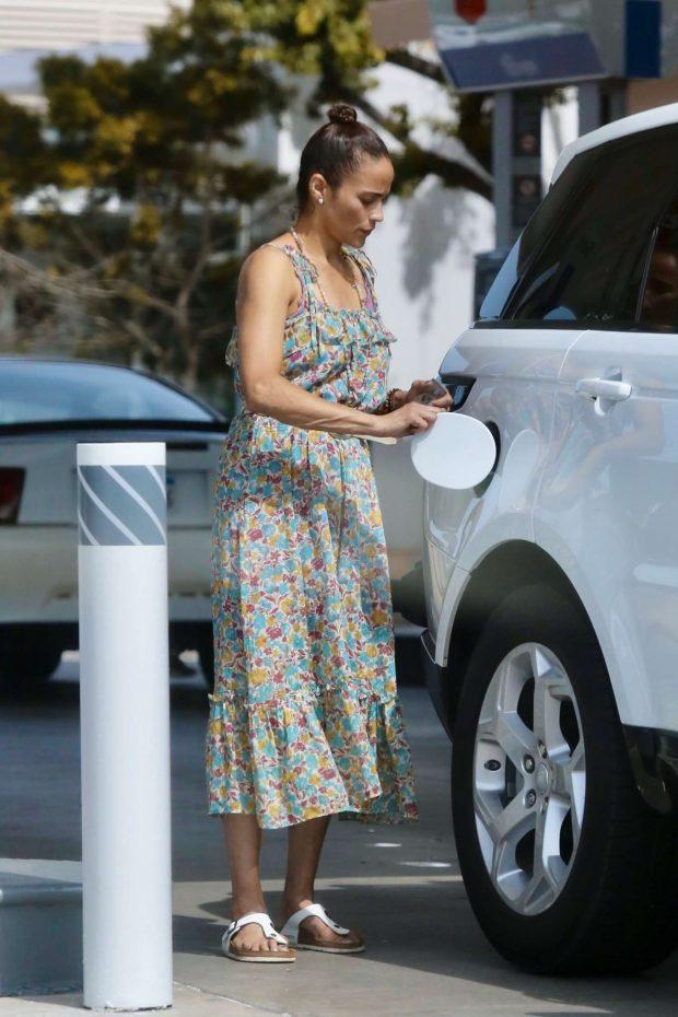Paula Patton in Floral Summer Dress-03
