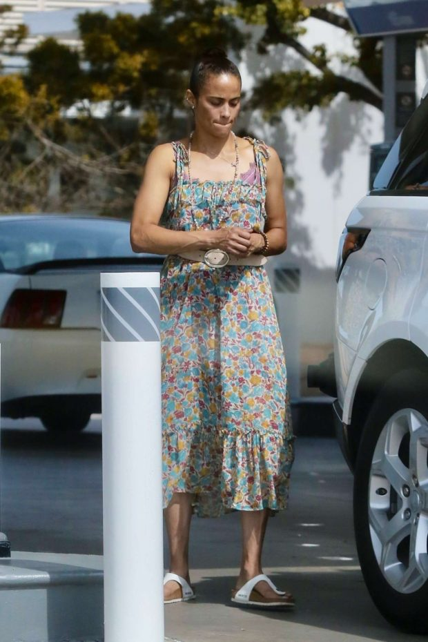 Paula Patton in Floral Summer Dress-21