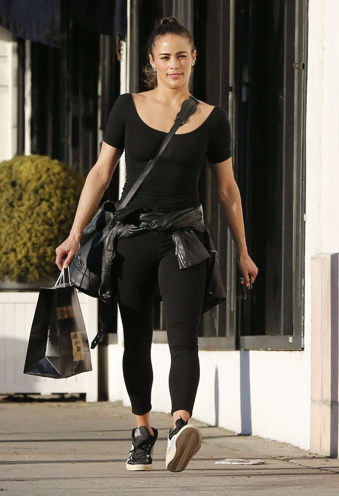 18814afe99d Paula Patton in Tights Shopping in Los Angeles – GotCeleb