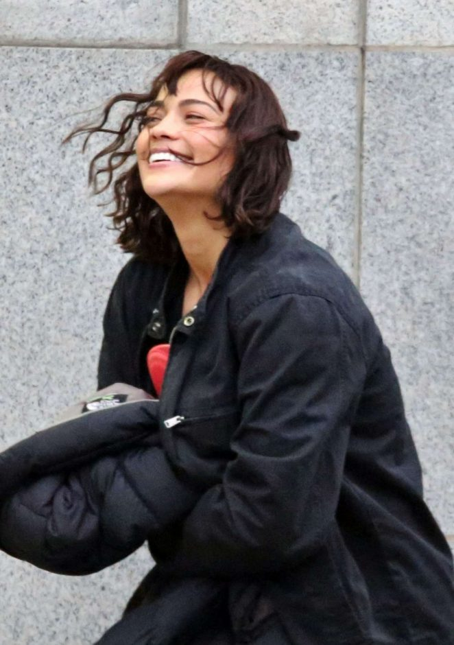 Paula Patton on the set of 'Somewhere Between' in Vancouver