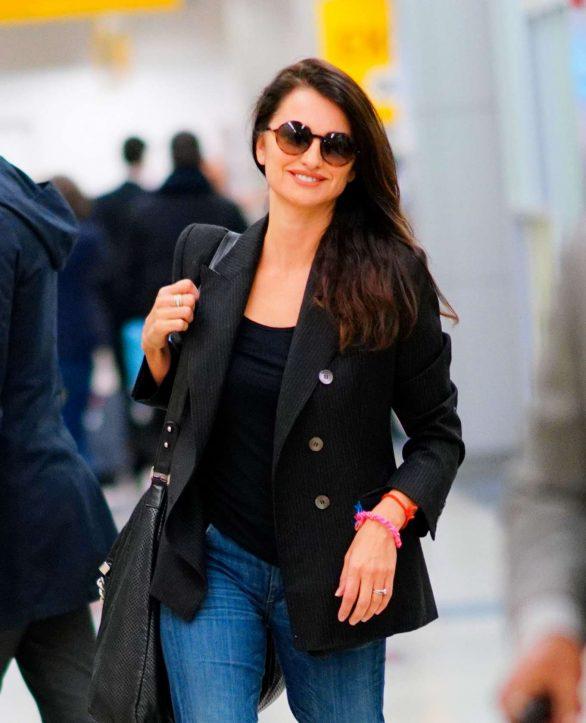 Penelope Cruz - Arrives at JFK Airport in New York