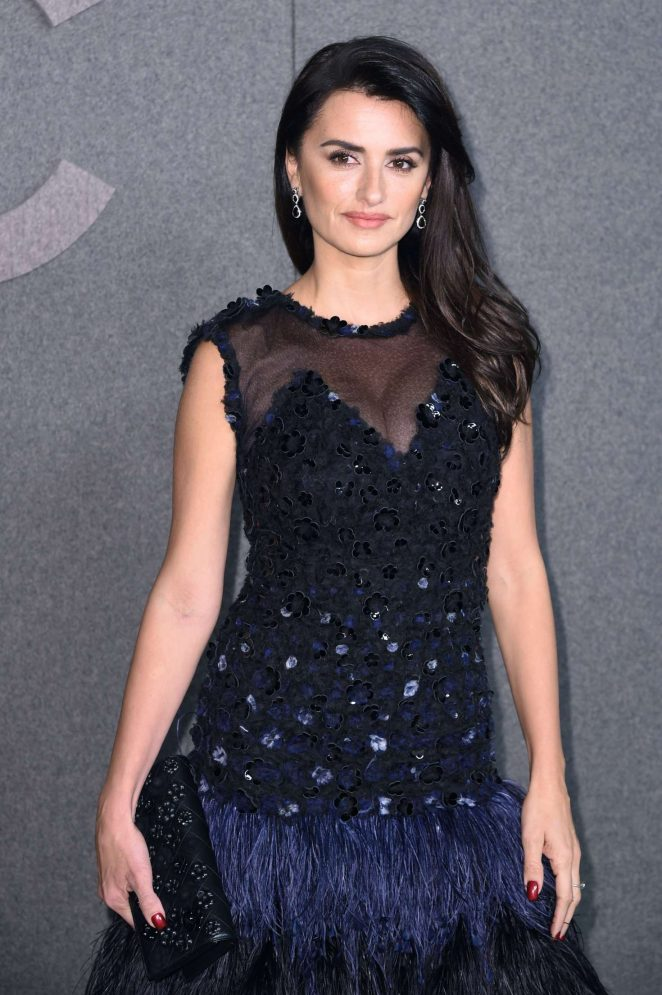 Penelope Cruz - Chanel Metiers d'Art Pre-Fall 2019 Fashion Show in NY
