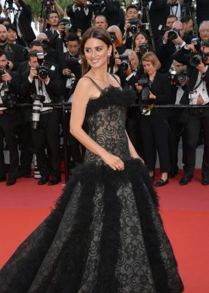 Penelope Cruz - 'Everybody Knows' Premiere and Opening Ceremony at 2018 Cannes Film Festival