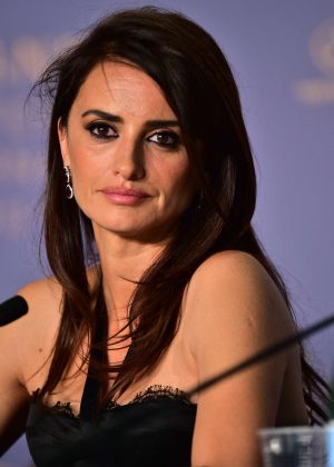 Penelope Cruz - 'Everybody Knows' Press Conference at 2018 Cannes Film Festival