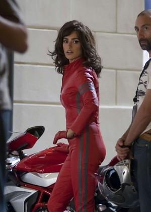 Penelope Cruz - Filming 'Zoolander 2' in Rome