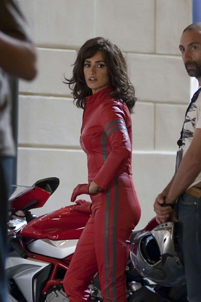 Penelope Cruz – Filming 'Zoolander 2' in Rome