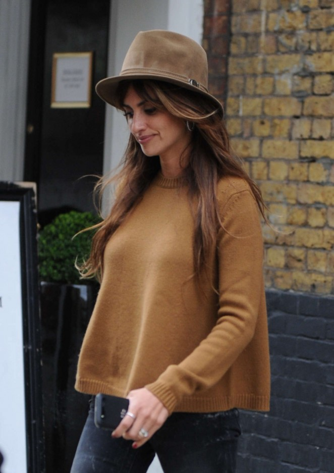 Penelope Cruz Goes to Agent Provocateur head office in London