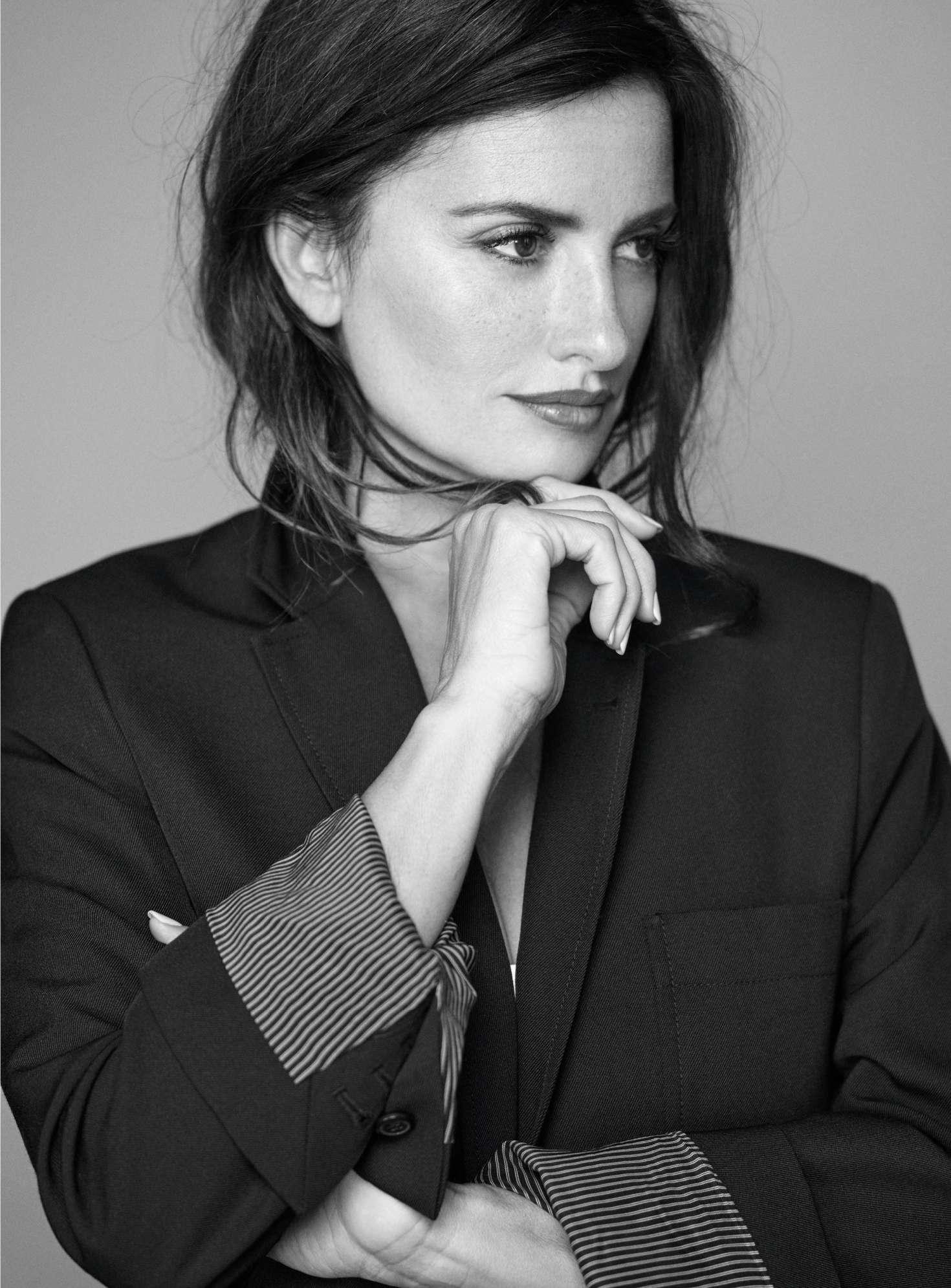 Penelope Cruz - Grazia France Magazine (December 2018)