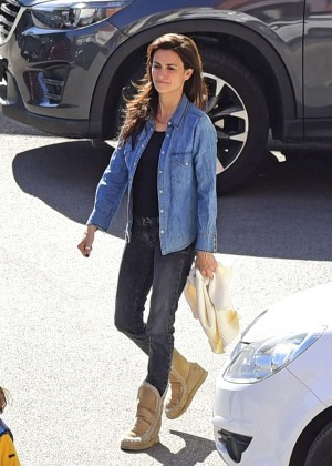 Penelope Cruz in Jeans Leave the hospital in Madrid