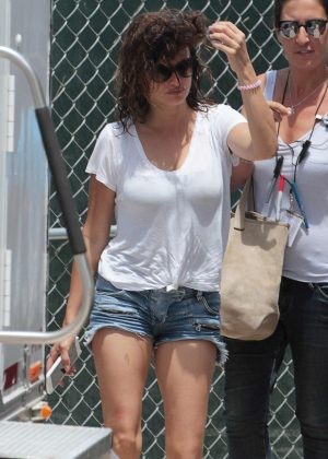 Penelope Cruz in Jeans Shorts Arriving on set in Miami