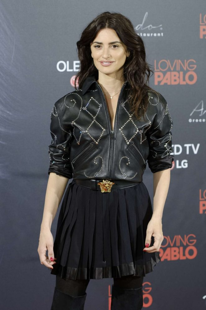 Penelope Cruz - 'Loving Pablo' Photocall in Madrid
