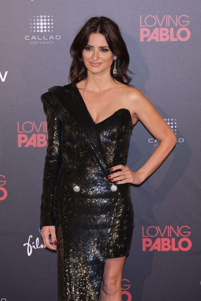 Penelope Cruz - 'Loving Pablo' Premiere in Madrid