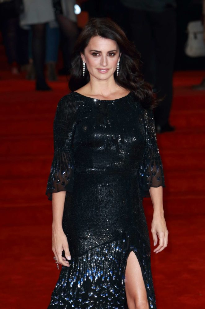 Penelope Cruz - 'Murder on the Orient Express' Premiere in London