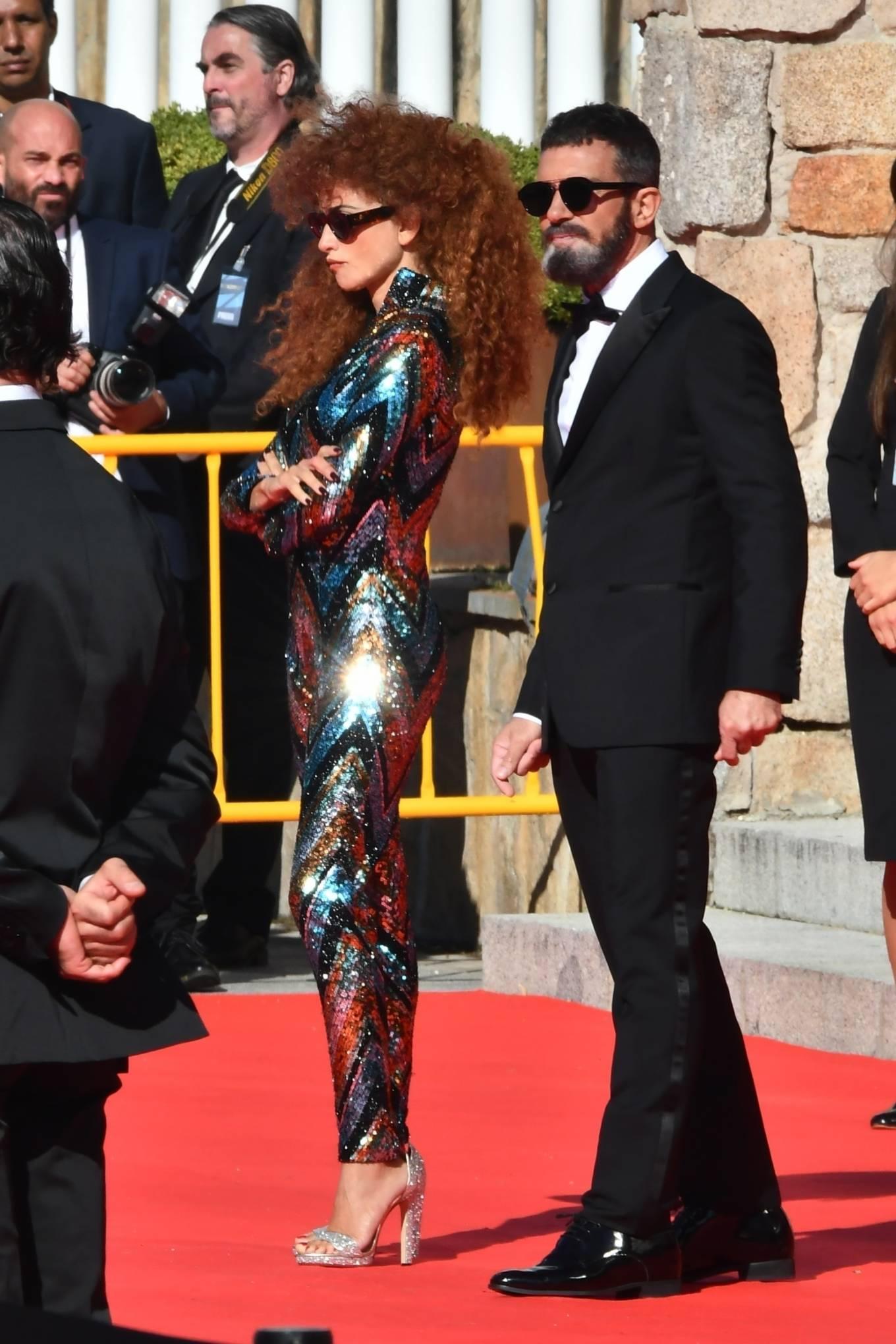 Penelope Cruz 2020 : Penelope Cruz – Official Competition set in Madrid-10
