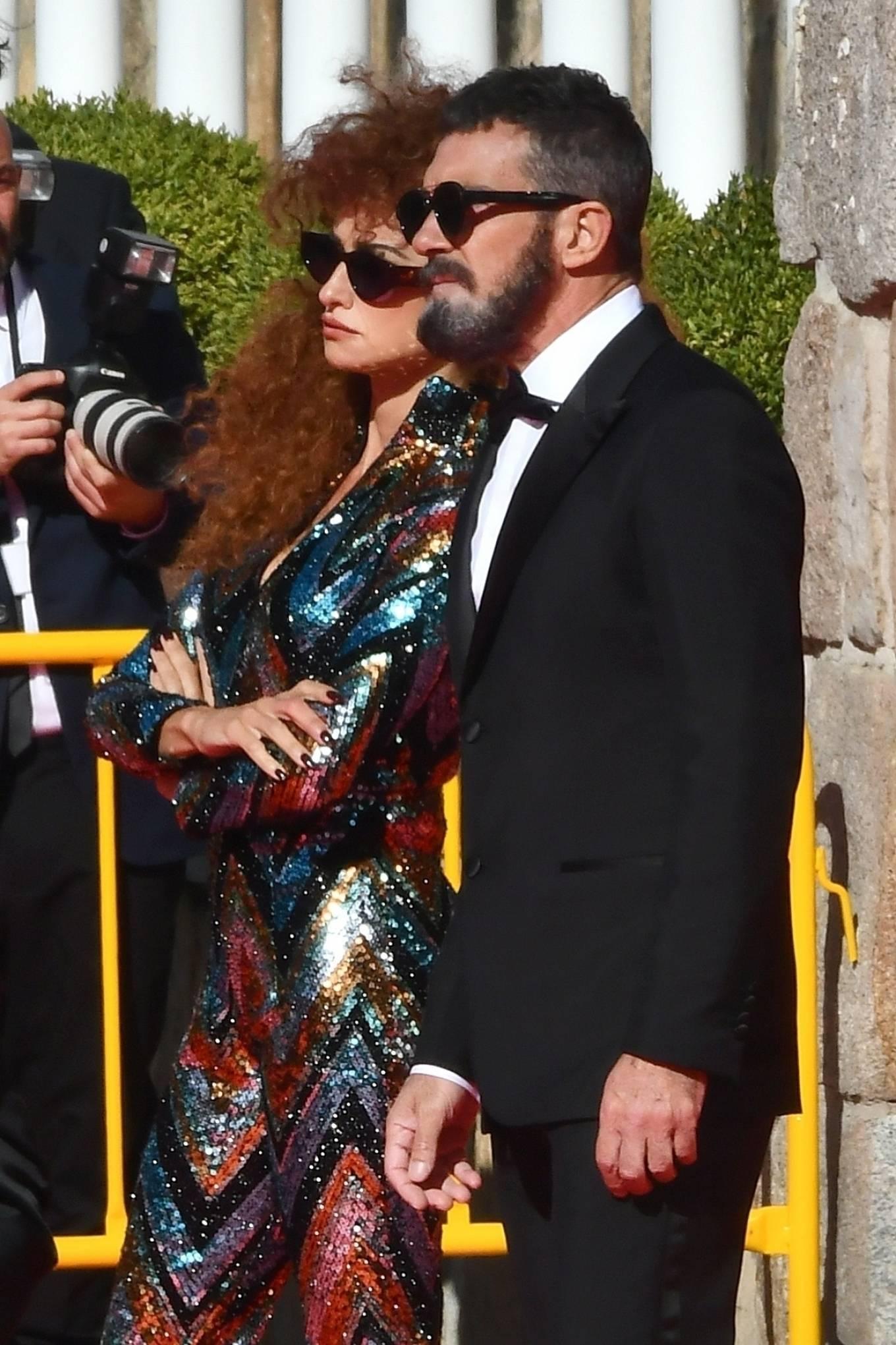 Penelope Cruz 2020 : Penelope Cruz – Official Competition set in Madrid-18