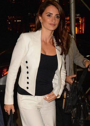 Penelope Cruz out in Manhattan -15  Penelope Cruz