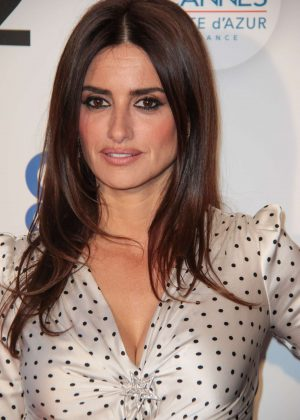 Penelope Cruz - 'We are not lying' Photocall at 2018 Cannes Film Festival
