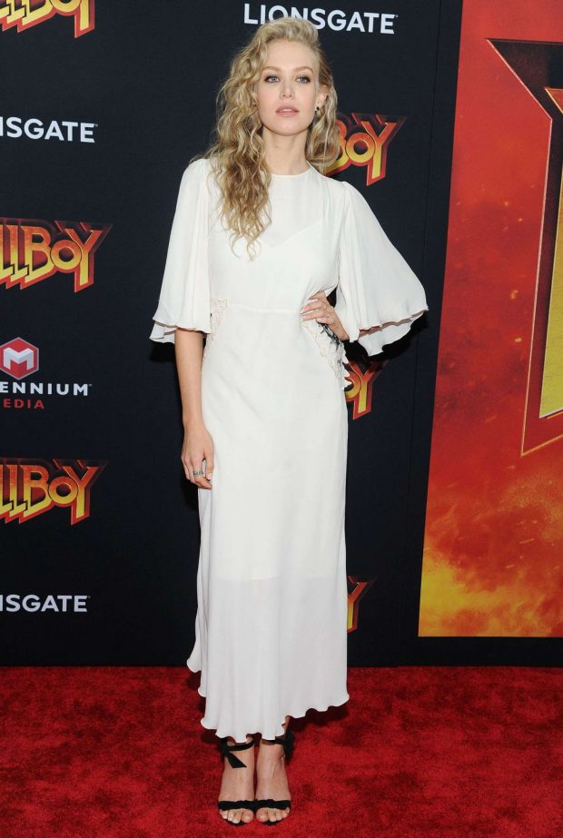 Penelope Mitchell: Hellboy Premeire in New York -01
