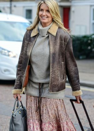 Penny Lancaster - Leaving Mulberry Bush pub in London
