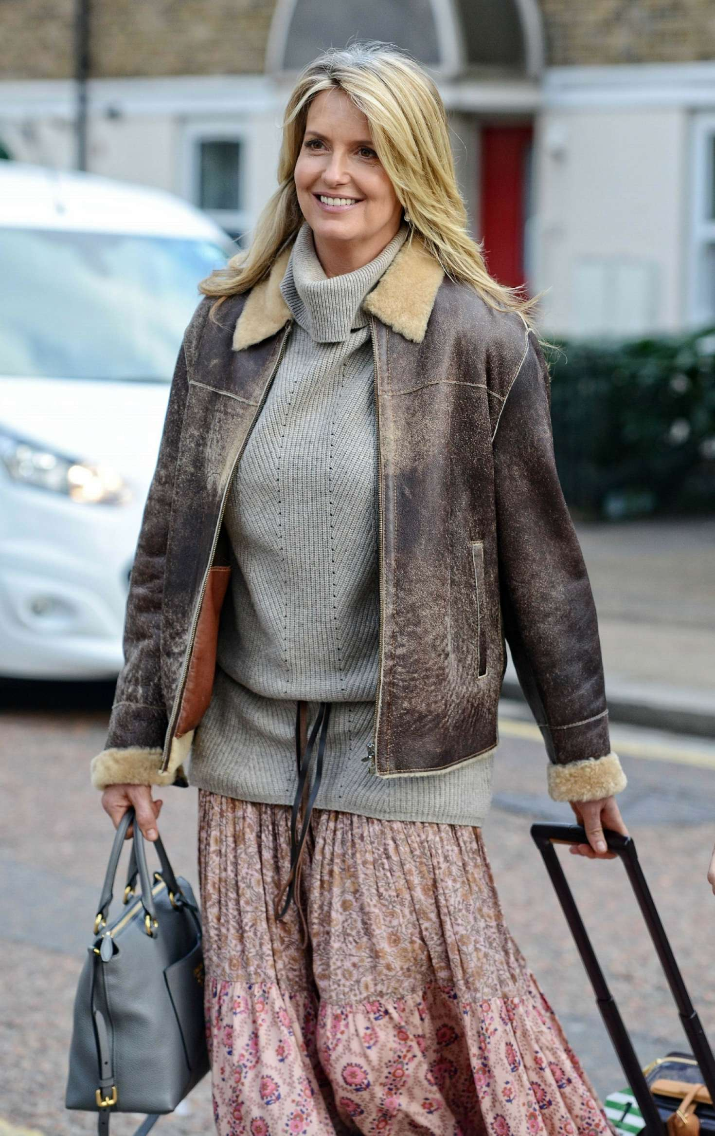 Penny Lancaster - Leaving Mulberry Bush pub in London