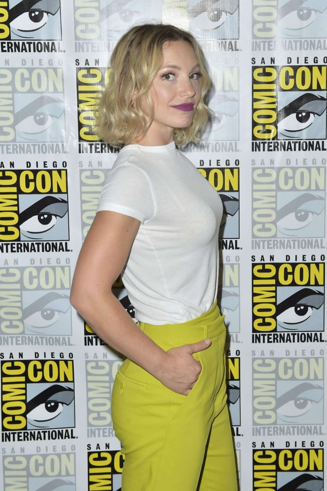 Perdita Weeks Charmed Photocall At 2018 Comic Con 22 Gotceleb