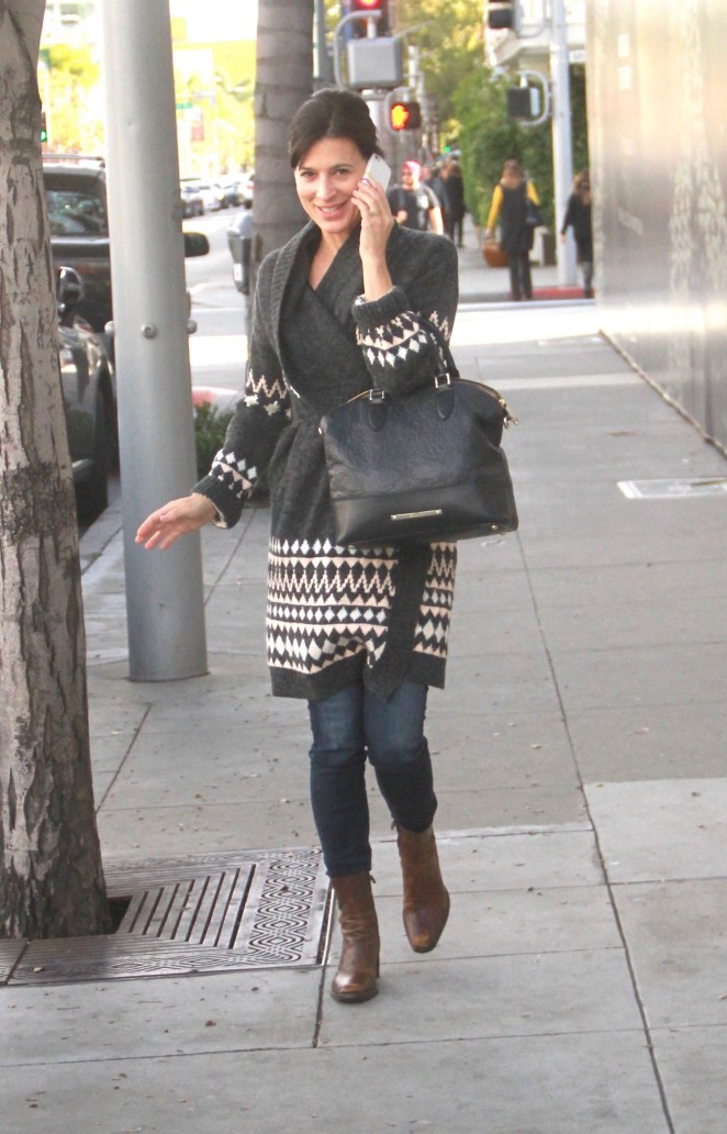 Perrey Reeves – Shopping in Beverly Hills