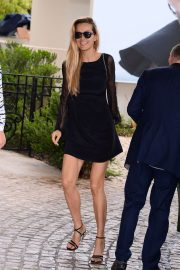 Petra Nemcova - Arrives at the Martinez Hotel in Cannes