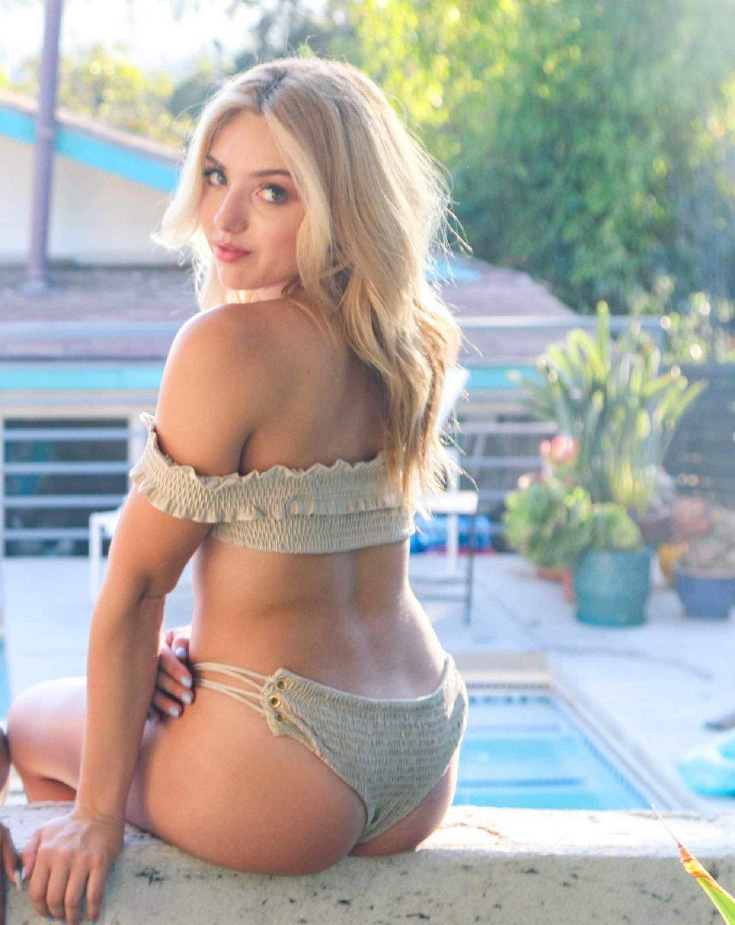 Peyton roi list pics bikini