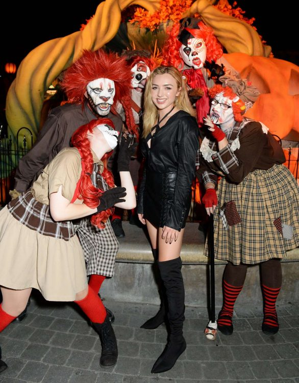 Peyton R List - Visits Knott's Scary Farm in Buena Park