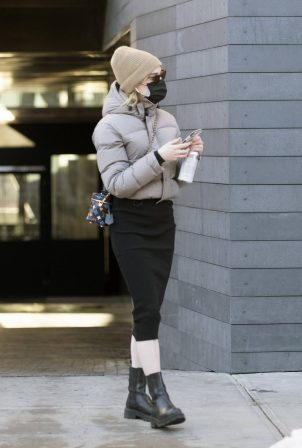 Phoebe Dynevor - Double masks as she heads to hair salon