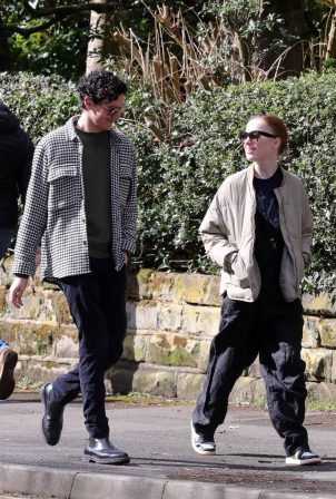 Phoebe Dynevor - Out for a lunch in Altrincham Trafford