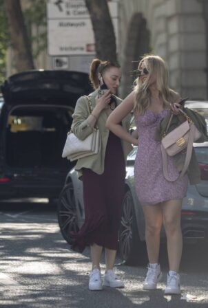 Phoebe Dynevor - Out in central London
