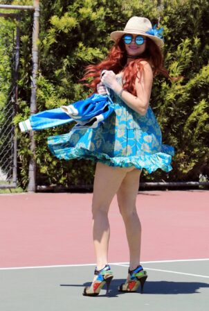 Phoebe Price - Another posing at the tennis courts in Los Angeles