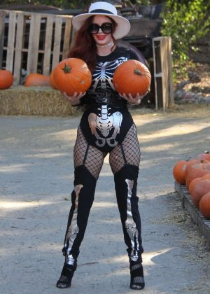 Phoebe Price at the pumpkin patch in Los Angeles