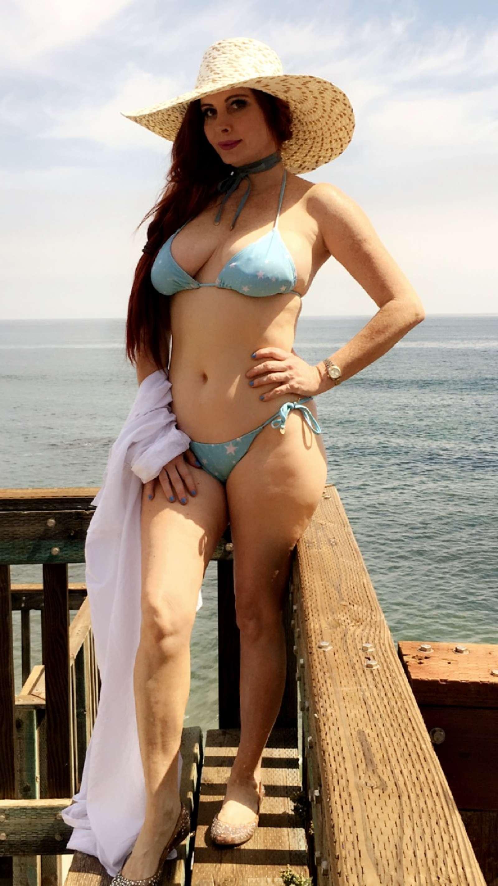Phoebe Price In Bikini On The Beach In Los Angeles Gotceleb