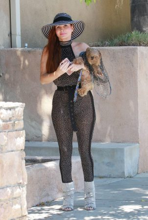 Phoebe Price - Possing with her dog in Los Angeles