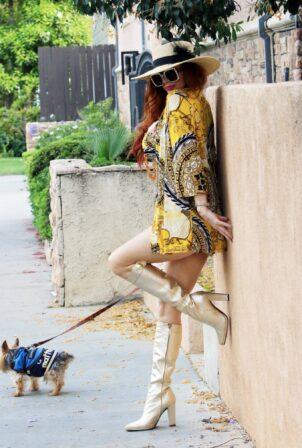 Phoebe Price - Seen posing in Los Angeles