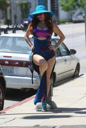 Phoebe Price - Sells face masks on the street in Hollywood